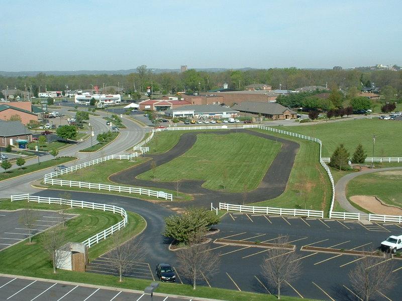 Grass Parking Lot at Holiday Inn University Plaza-Bowling Green